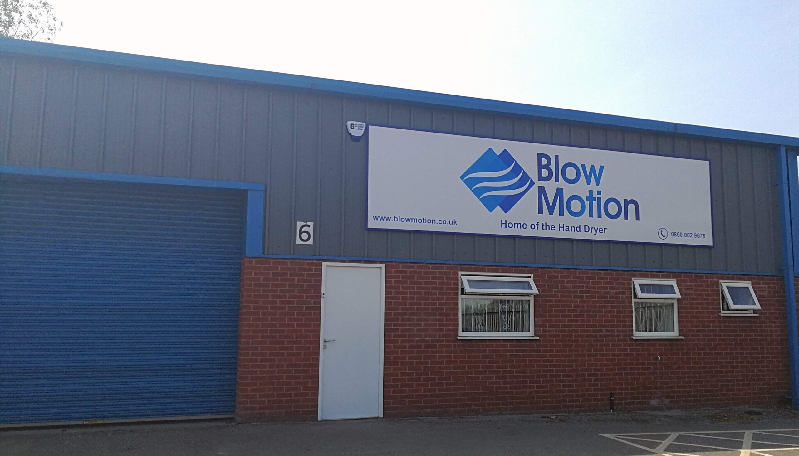 Blow Motion Office
